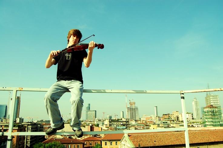 Mikey the Violist, Milano Italy