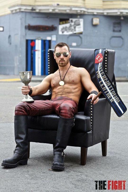 68 besten fetish clothing bilder auf pinterest leder. Black Bedroom Furniture Sets. Home Design Ideas