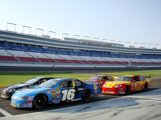 Best 25 nascar driving experience ideas on pinterest for Las vegas motor speedway driving experience
