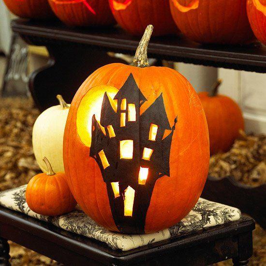 citrouille Halloween décorative: maison hantée
