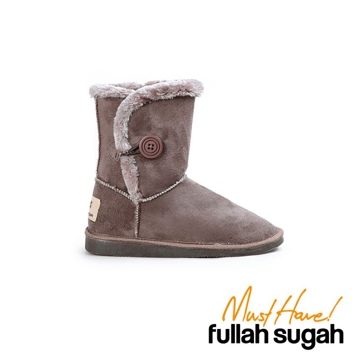 Autumn/Winter 2014 | FULLAHSUGAH FULLAHSUGAH FAUX FUR LINED BOOTS WITH BUTTON | €24.90 | 4451103922 | http://fullahsugah.gr