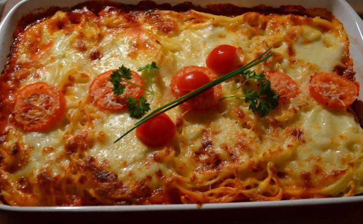 Mozzarellás rakott spagetti