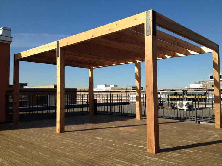Modern Pergola Designs | construction d une pergola en cèdre sur patio-terrasse de toit