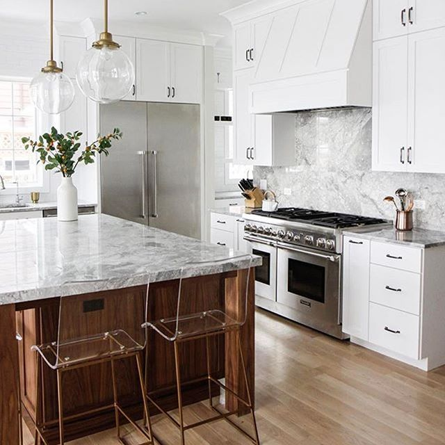 There's nothing better than a bright kitchen to start your #thursday morning off on a positive note! The lucite King Counter stools are bringing modern elegance to this bright & beautiful kitchen. Stunning styling by @parkandoakdesign ! #gabbystyle #transitional #lucite #inspiredliving #interiordesign #design #decor #homeinspo #homedecor #interiorinspiration #eclectic #modern