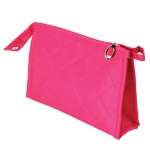 http://cristinnecosmetics.ro/ Portfard pink Cod: 84666 Portfard pink, dimensiuni: 19 cm x 12 cm x 5 cm. Contine oglinda si buzunare interioare.