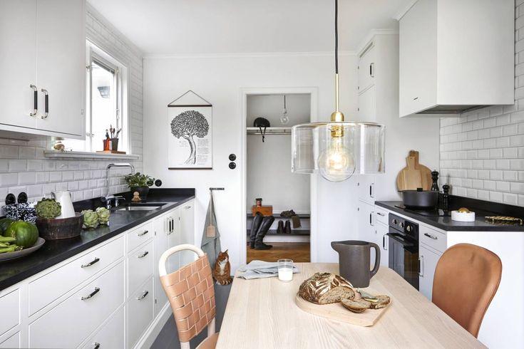 I våras bloggade vår AD Anci Jernström Brolin på lantliv.com om sin stora köksrenovering. Så här blev det!