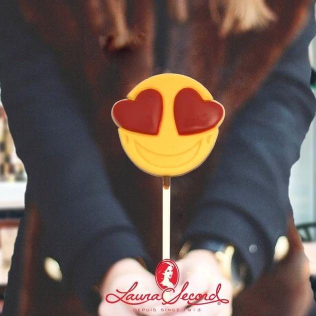 #Propagez l'amour avec nos sucre-becs de la #Saint-Valentin! #Spread love with our #Valentines pops!  #love #valentine #laurasecord
