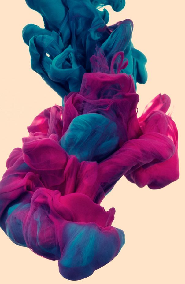 Italian graphic designer and illustrator Alberto Seveso released another mesmerizing collection of underwater ink photographs.    The images were made by taking high-speed photographs of ink mixing with water, but unlike the previous times, the artist mixed two colors and titled his new series 'a due Colori'. The result is so powerful that I think I'll be riding these ink waves tonight in my dreams, just like his Ink Riders.
