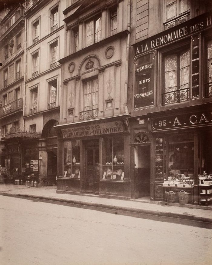 Eugène Atget, 1908 Au Bourdon d'or 93 Rue St. Honore, Premier Arrondissement.