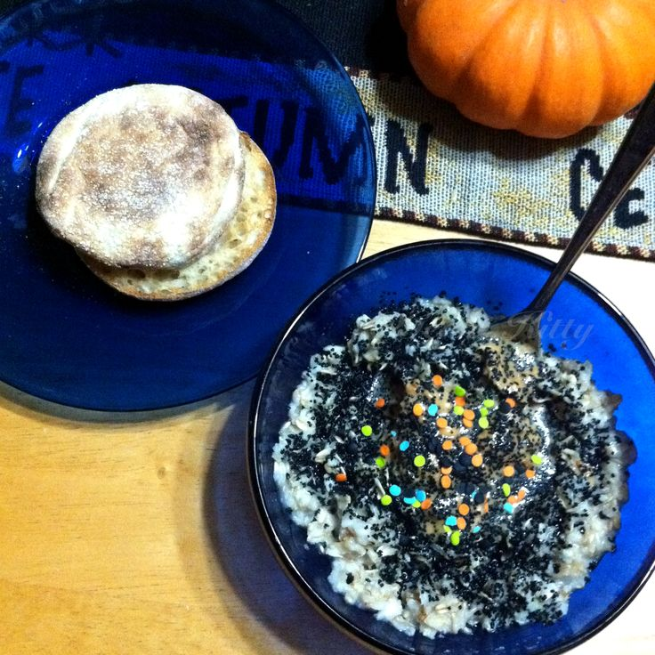 Halloween inspired breakfast oatmeal with a side of English Muffin. #vegan #whataveganeats #breakfast