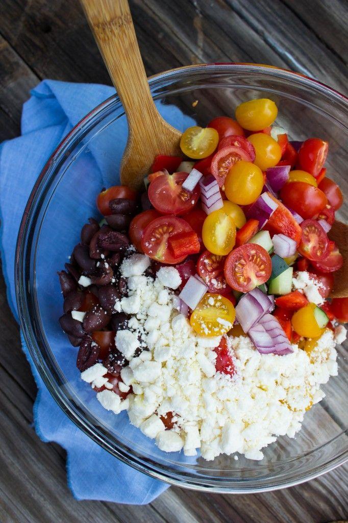 Panzanella Salad - a true #Italian classic. Perfect #recipe for summer! #salad