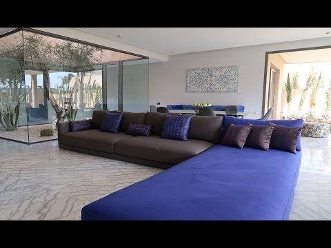 Appartement de très haut standing de 274m avec jardin ; dans un prestigieux resort en R1 sur la route de OUARZAZATE :   2 chambres 2 Salles de bain Dressing.  Cuisine moderne équipée.  Double salon salle à manger.  Patio : 19 m  Jardin : 88 m  Terrasses : 25m  Surface globale : 274 m dont RDC de 142 m.  Référence : VA-144