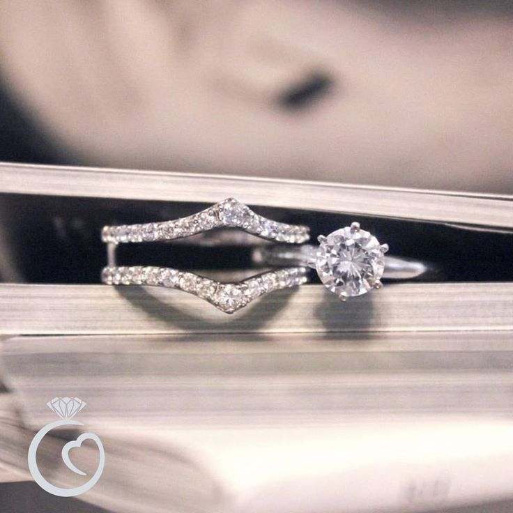 Compliment your diamond solitaire with our classic ring guards!   (RG110) Call us today for your custom quote >> 770.955.5995
