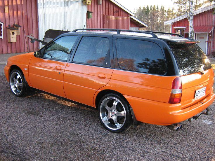 Teemun Ford sai pohjalla Trotonin pohjamaalin ja sen jälkeen seuraavat tuotteet:   - Musta väri ( Ford focus Panther Black)  - Oranssi  ( Ford Focus Elektrick Orange)  - Lakka Mipa CC6.