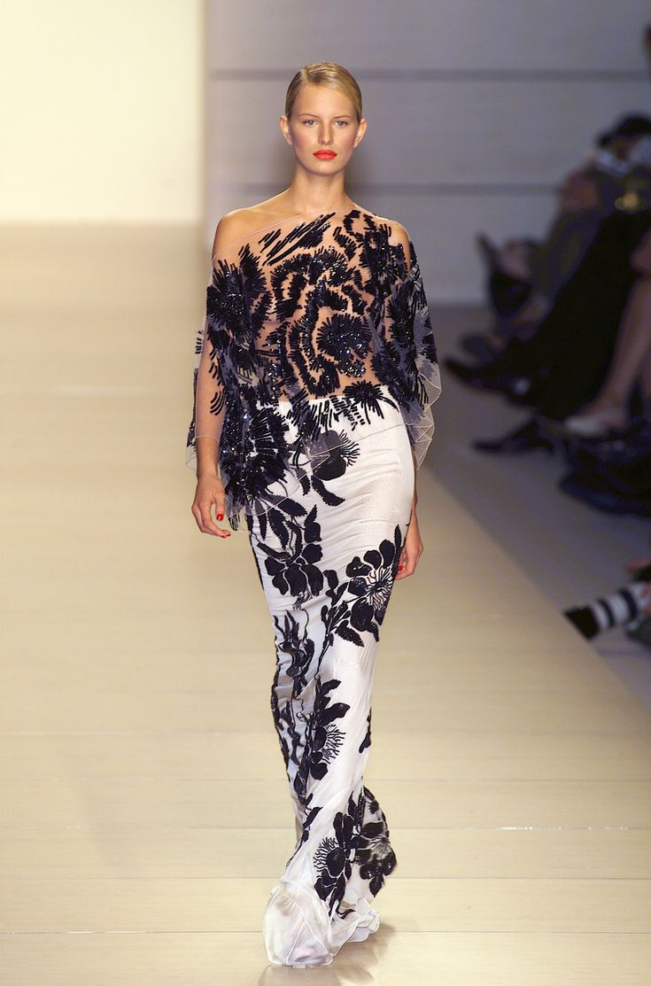 Valentino couture gown graceful elegance