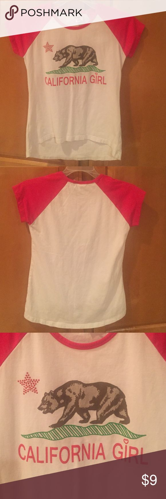 Girls T-shirt Girls t-shirt in white with pink sleeves. Has an embellished star. Has a small red line above bear. Size L 14/16 Shirts & Tops Tees - Short Sleeve