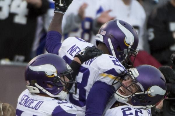 As bad as the Minnesota Vikings' offense looked in the opening quarter of Sunday night's game, coach Mike Zimmer's vaunted defense looked…