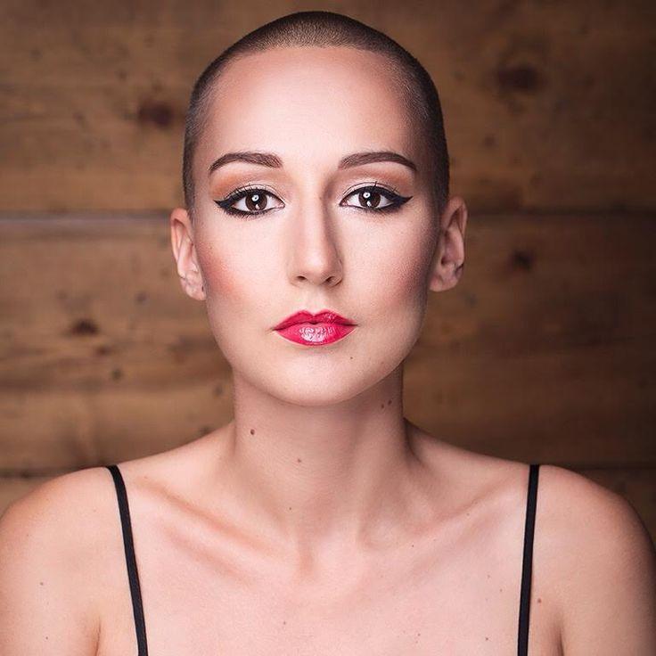 J'ai découvertMarine de Nicola grâce à son blog «Kiss of a hurricane» lorsque j'ai appris mon diagnostic de lymphome de Hodgkin. C'est donc tout naturelle…