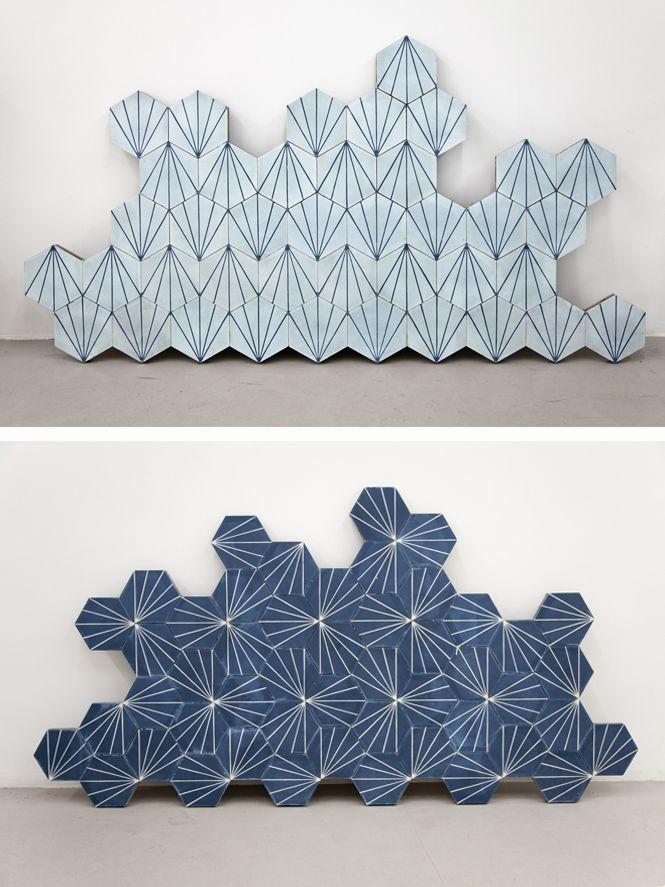 Fliesen Installation Aus Blauen Fliesen Mit Feinen Linien