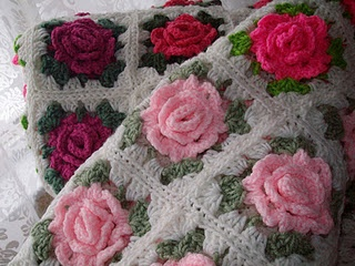 Lovely crochet roses - Somebody made us a wedding gift like this!  So pretty!