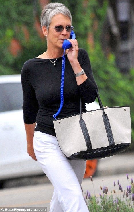 The electric blue device was more akin to the receiver you see attached to a landline phone, not a handbag essential for nattering on the move.