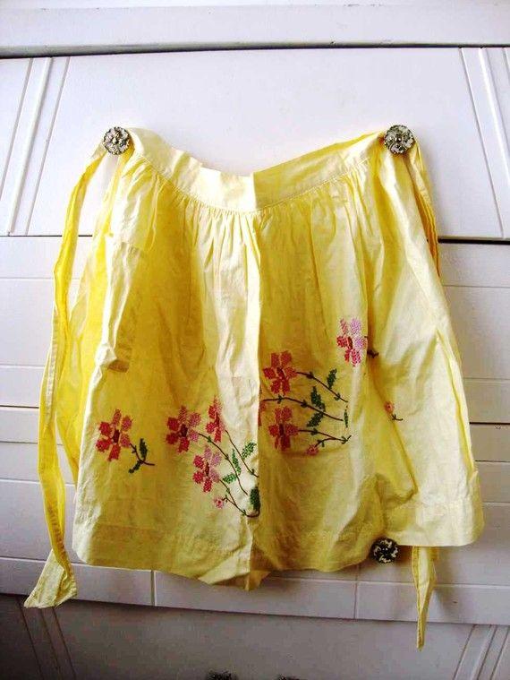 can't get enough vintage aprons