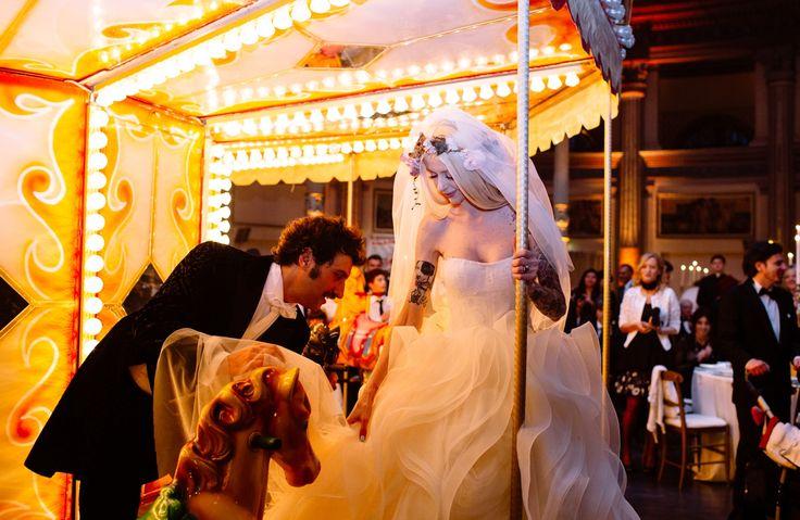 Carousel <3 Love! ph.maisonpestea.com theweddingcircus.com