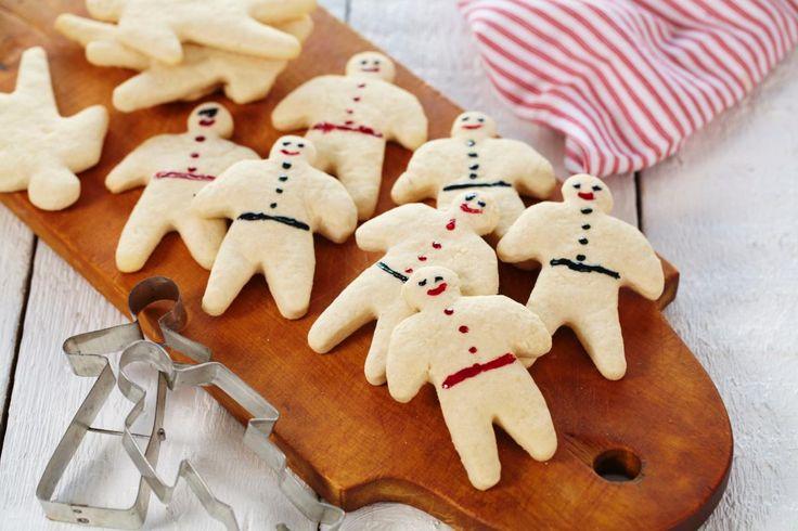 Gøttekælla, julemanna, spekulasi, kakemenner, ja, kjært barn har mange navn. Denne oppskriften på hvite kakemenn gir deilige og tykkfalne julekaker med lang juletradisjon i spredte deler av landet. Morsomme å pynte sammen på juleverkstedet og er en favoritt blant barna.
