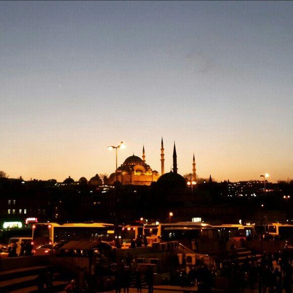 Istanbul Haliç'ten Süleymaniye Camii görünümü