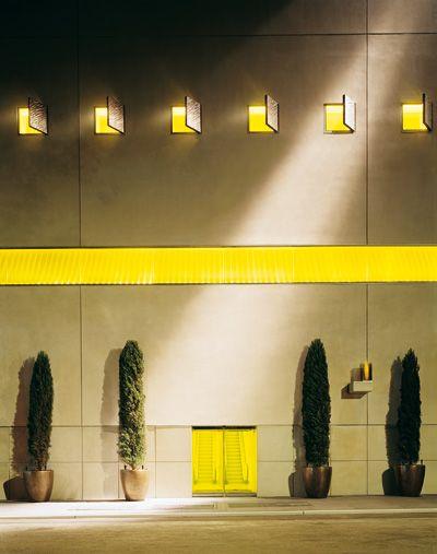 Facade-hotel-hudson-ny-philippe-starck