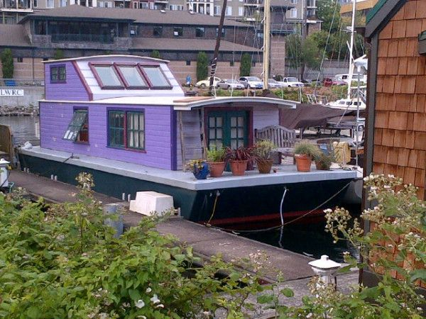 Life On A Purple Houseboat!