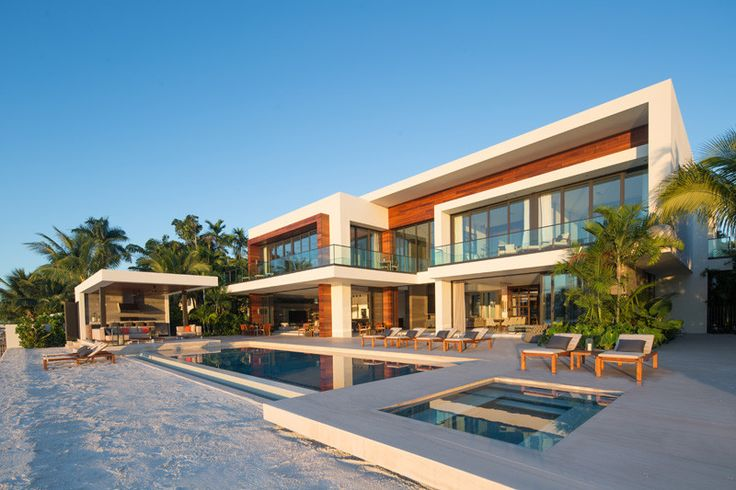 Choeff Levy Fischman Architecture + Design, have worked together with property developer Ahmad Khamsi, to design Casa Clara, a new home in Miami, Florida.