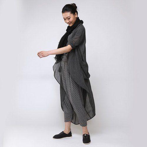 不服 薄紗棉麻材質 立體剪裁防曬長版開衫   深灰  SH150304