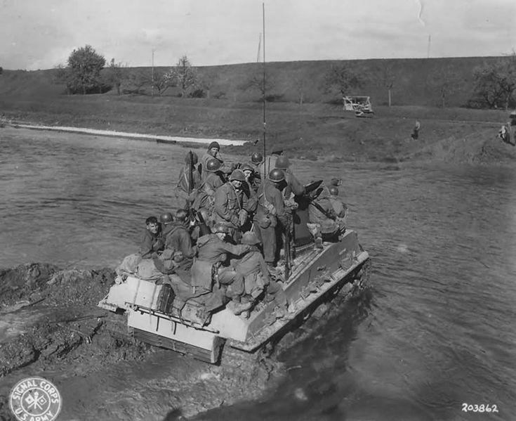 M4 Sherman Tank Berg Ehingen Donau Bruckenstrasse 23 April 1945