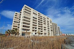 SEA POINTE Picture yourself in a 10-story, North Myrtle Beach vacation high rise where there is a five-story parking garage, ocean views from the North Myrtle Beach condos, all the modern conveniences of home and where your family is only minutes away from all the fabulous amusements of North Myrtle Beach, South Carolina. Sparkling blue indoor swimming pool and easy beach access. Call 1-800-525-0225 for rates.