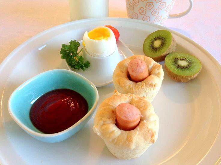 Pølse muffins. Muffins lavet ud af en dej med pølse i, og formet som en muffin. En slags morgen pølsehorn som også sagtens kan anvendes i madpakken.