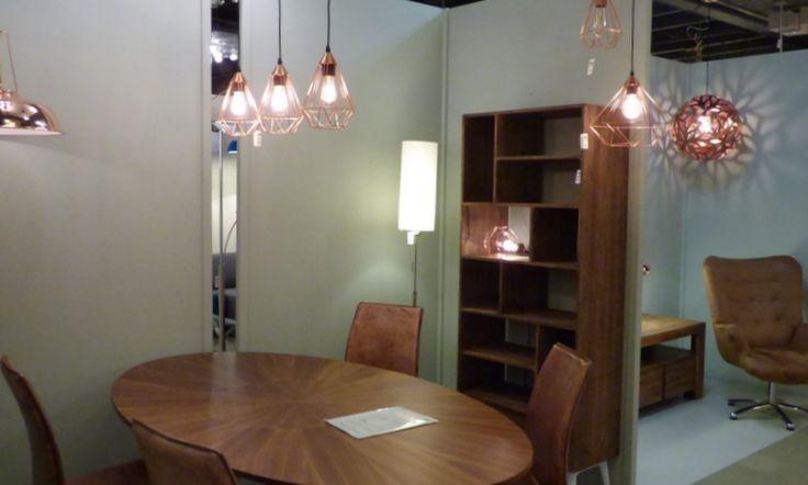 Foto's Showroom winkel . Shop nu via deze Link bij Webwinkel  ( www.rietveldlicht.nl ) . Huisdecoratie interieur verlichting voor woonkamer , eettafel , keuken , slaapkamer winkel of bedrijf . Roodkoper kopere lampen! Ook Moderne , klassieke , industriele of design lampen . Ook buitenlampen .