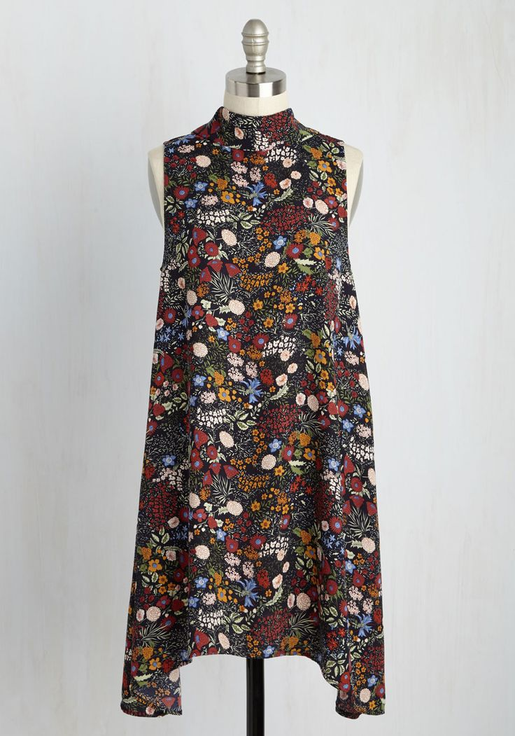 Back to Its Delightful Owner Dress - Multi, Black, Floral, Print, Casual, Shift, Sleeveless, Summer, Woven, Good, Short