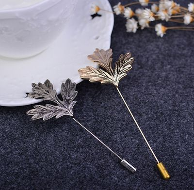 AIWGX Men Maple Leaves Brooches For Party Fashion Formal Wear Business Men's Brooch Corsage Lapel Pins Clothing Accessories