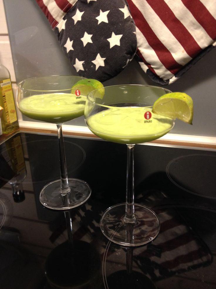 Avokado drinkki
