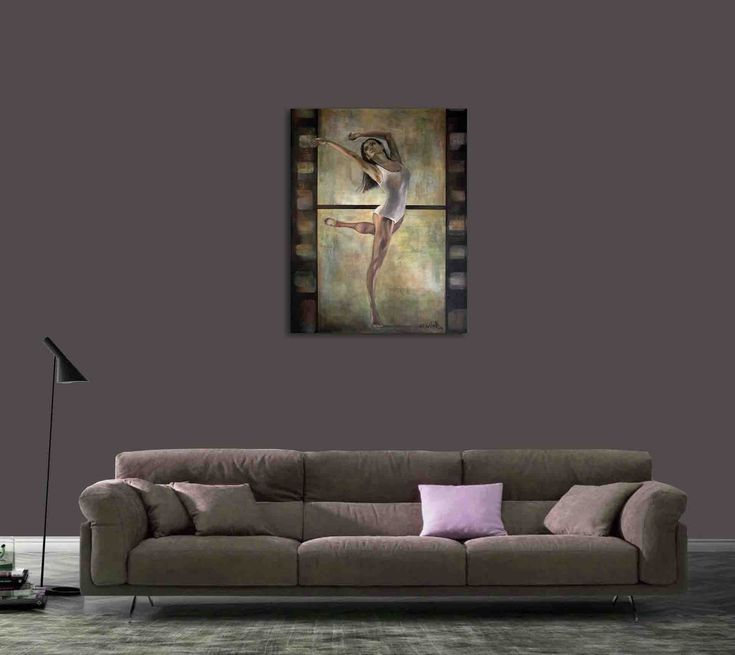 Living room and contemporary painting of a woman - 'Ballerina' by @ania_luk_com