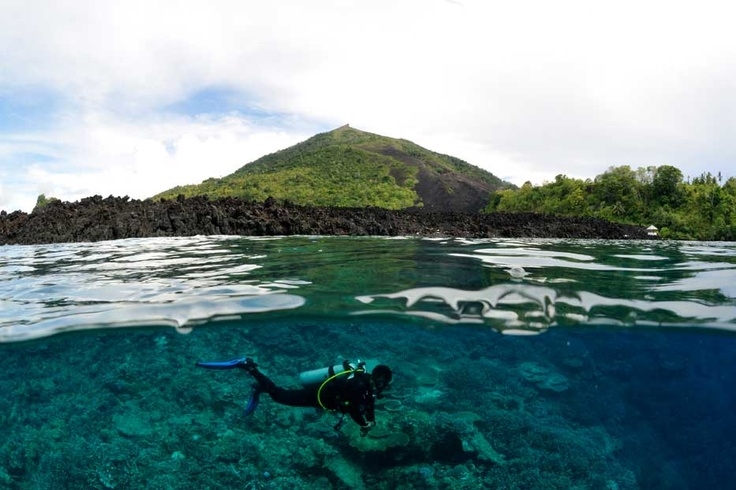 An avid diver can enjoy the rock formations underwater as the Banda sea garden is an actual gap between two meeting geological plates. The wall is a vertical floor to practice some advanced diving skills.