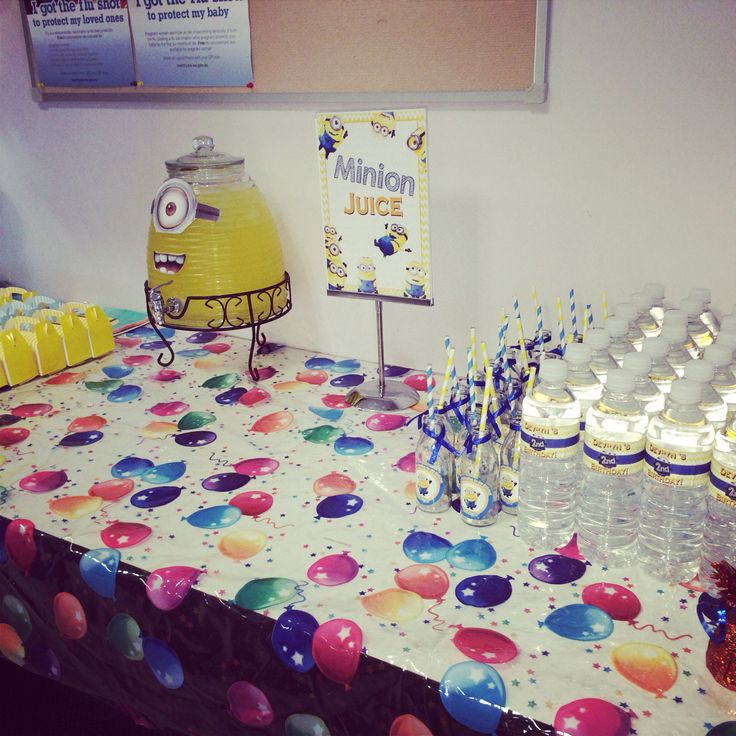 Minion Drinks table