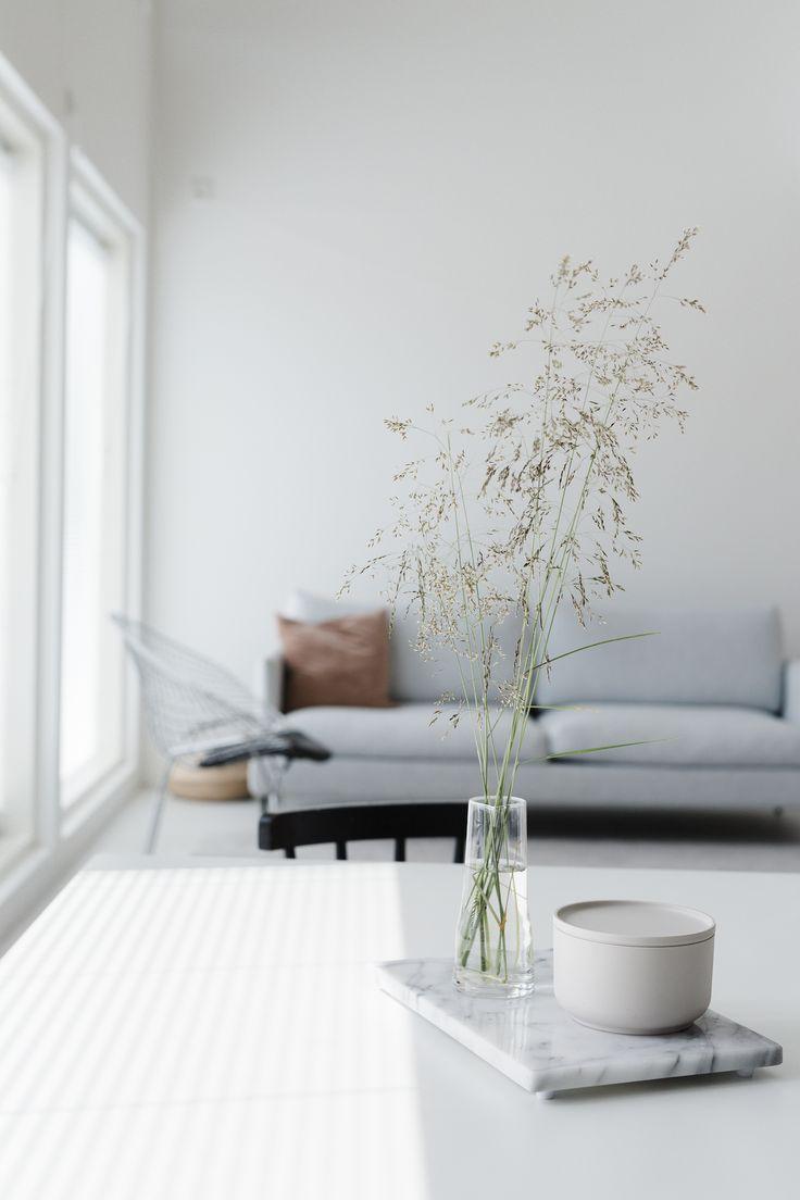A Beautifully Simple Minimalist Home Interior Interior Scandinavian Style No Scandinavian Furniture Design Minimalist Home Interior Scandinavian Room Decor