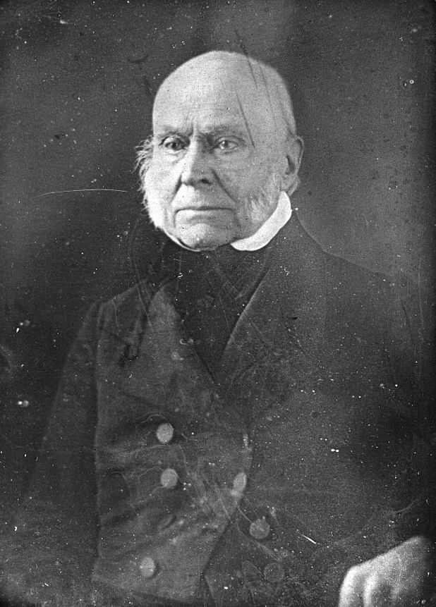 The earliest US President to have been photographed is John Quincy Adams, the 6th President. 1843 -
