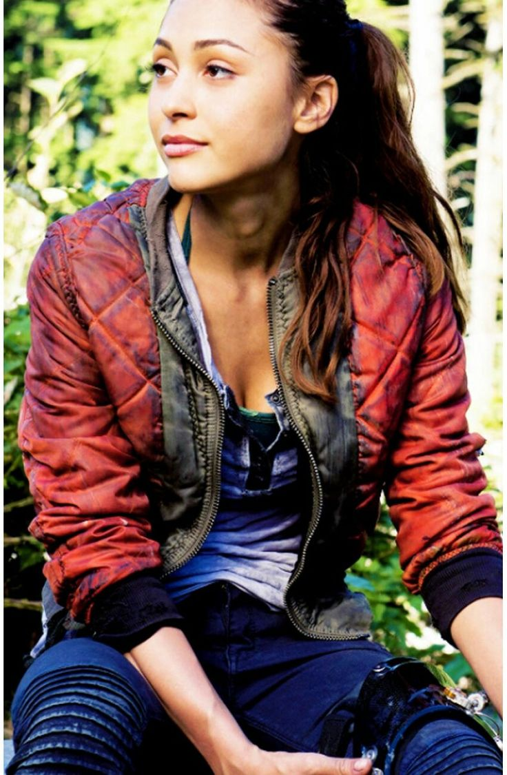 Lindsey Morgan as Raven on The 100