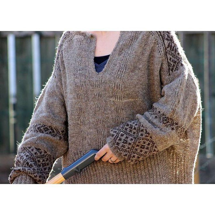 Teru sweater - knitting pattern by Junko Okamoto - knitted in #moekeyarns elena grey and brown