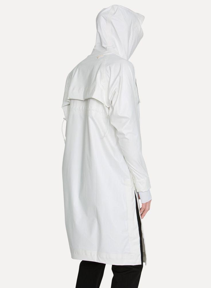 11 by Boris Bidjan Saberi R2 1306 White Snow Trench Coat https://cruvoir.com/11-by-bbs-boris-bidjan-saberi/6455-r2-1306-white-snow-trench-coat-whitesnow