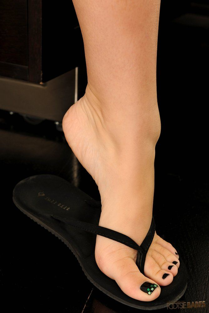 Sexy feet nylon toes Pantyhose feet worship foot