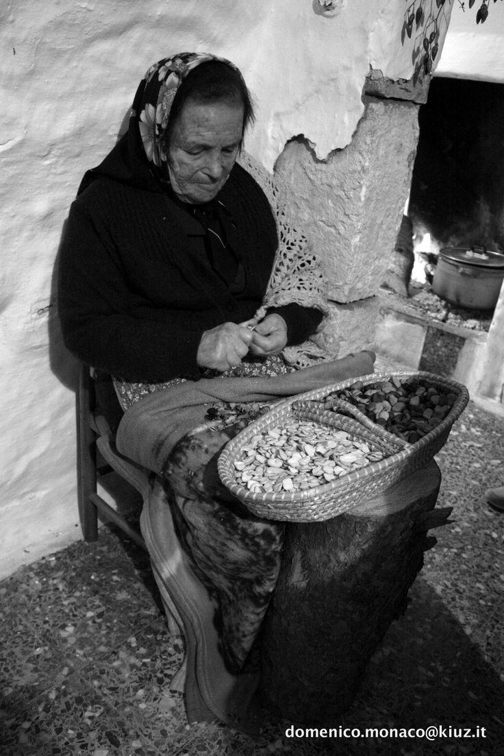 Puglia Casalini fraz. Cisternino BR. Vita rurale contandina della murgia Pugliese. #TuscanyAgriturismoGiratola Foto di Domenico Monaco